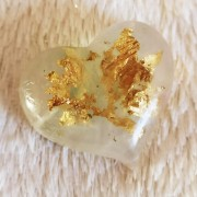 VD116 Heart with gold