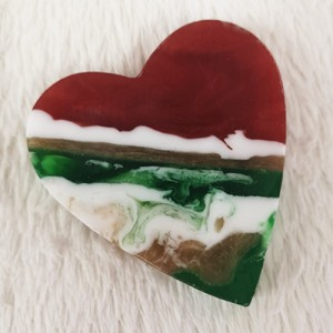 VD107 Red & green heart